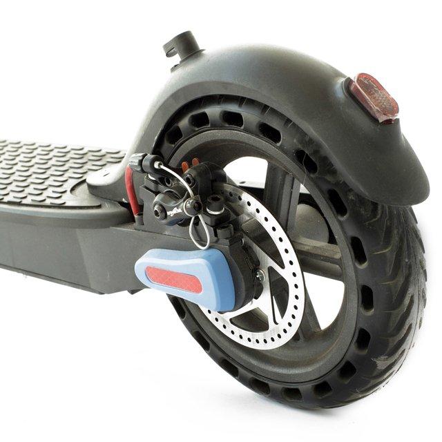 disco de freno, rueda y luz de freno